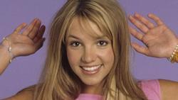 Britney Spears xuống sắc, Celine Dion gầy trơ xương sau 20 năm