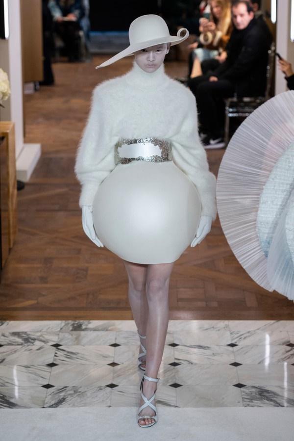 Những thiết kế với nguồn cảm hứng từ ca sĩ Lady Gaga của nhà mốt Balmain-5