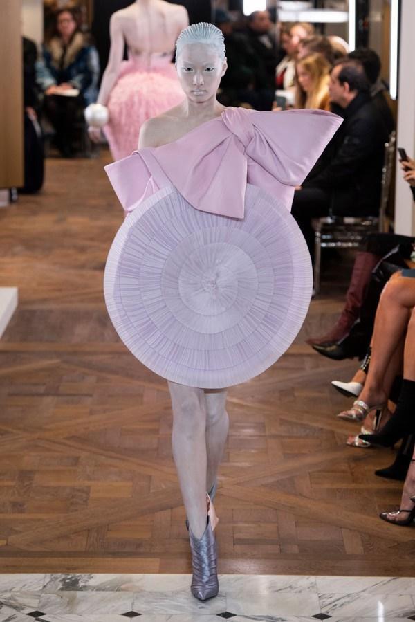 Những thiết kế với nguồn cảm hứng từ ca sĩ Lady Gaga của nhà mốt Balmain-7