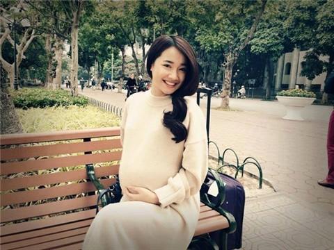 Vướng tin đồn sinh con, Nhã Phương đánh gục Khổng Tú Quỳnh - Soobin Hoàng Sơn chiếm trọn sóng showbiz tuần qua-2