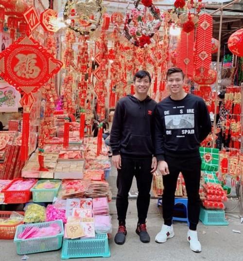 Ngày đầu tiên trở về từ Asian Cup 2019, các tuyển thủ Việt Nam làm gì?-6