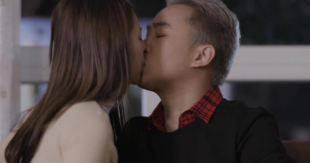 Hé lộ chân dung nam diễn viên lập kỷ lục hôn nhiều hot girl nhất trên màn ảnh-2