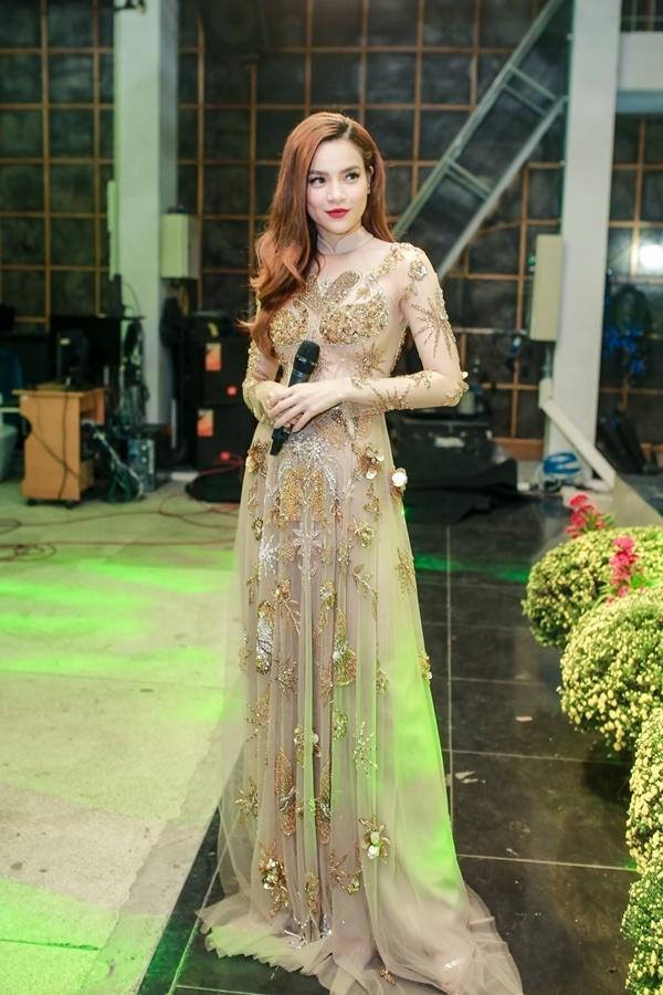 Dát hàng hiệu trị giá 3,5 tỷ đồng, Trấn Thành - Hari Won chiếm trọn spotlight thảm đỏ tuần qua-9