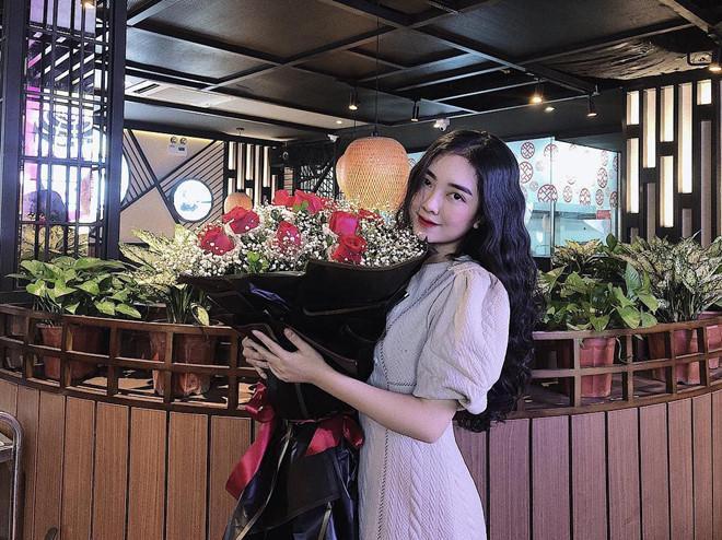 Vừa về nước, Hà Đức Chinh thân thiết bên bạn gái tin đồn-7