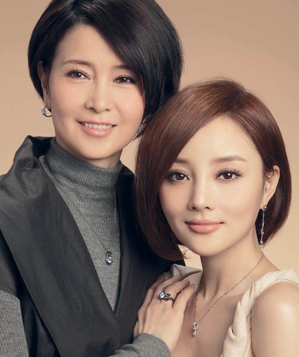 Những bà mẹ trẻ đẹp ăn đứt con gái của mỹ nhân Hoa ngữ-10