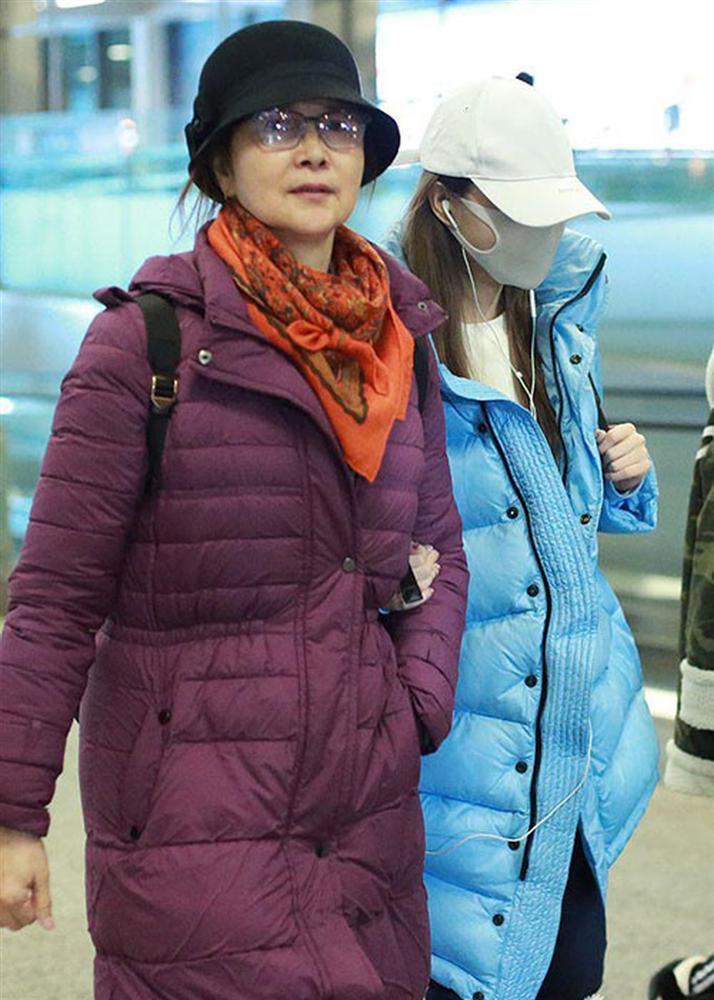 Những bà mẹ trẻ đẹp ăn đứt con gái của mỹ nhân Hoa ngữ-12