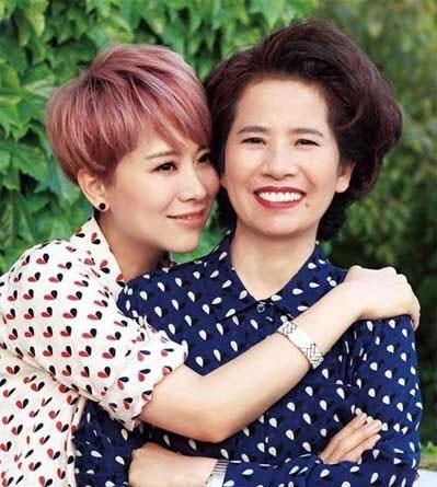 Những bà mẹ trẻ đẹp ăn đứt con gái của mỹ nhân Hoa ngữ-14