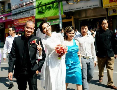 my-nhan-viet-lam-gi-khi-bi-cam-sung-04.jpg