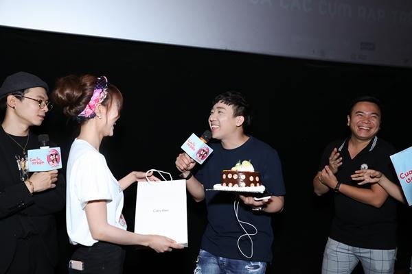 Trấn Thành xúc động khi được fans bí mật tổ chức sinh nhật sớm-2