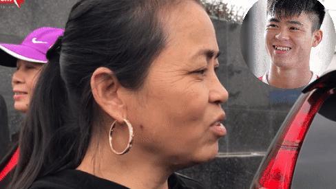 Tâm lý với đồng đội, yêu chiều bạn gái, mẹ trung vệ Đỗ Duy Mạnh tiết lộ thêm điều bất ngờ về con trai-1