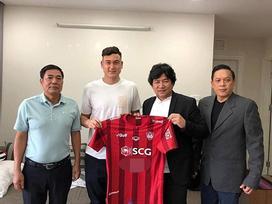 Đặng Văn Lâm ra mắt Muangthong United vào sáng mùng 2 Tết