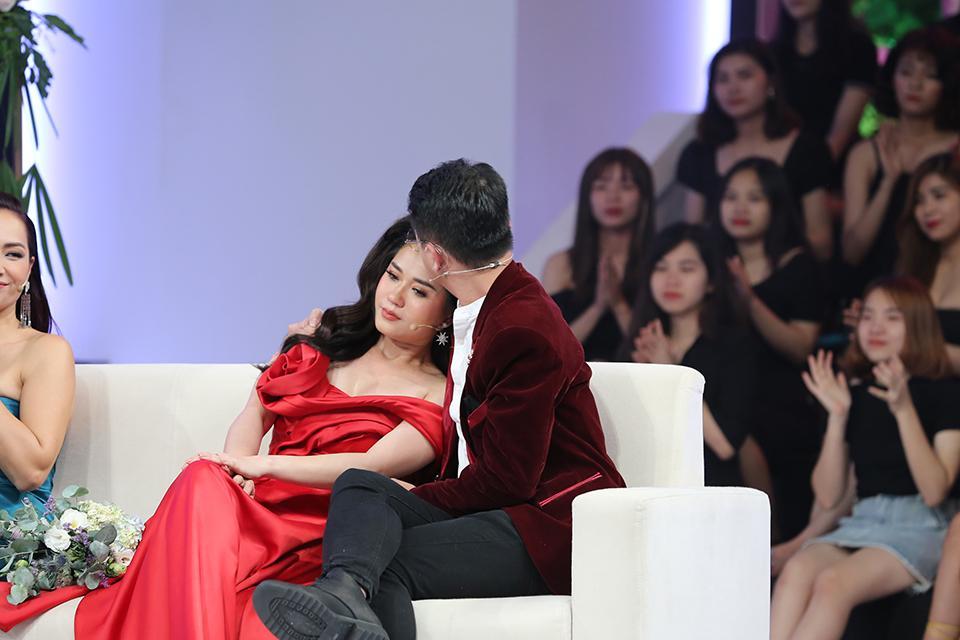Lâm Vỹ Dạ bật khóc khi Hứa Minh Đạt xin lỗi vì quên mất sự hi sinh của vợ-2