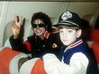 Michael Jackson từng quấy rối sao nhí trong rạp phim