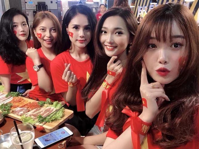 Bạn gái tuyển thủ Việt Nam và những lần đáp trả cực gắt trên mạng-4