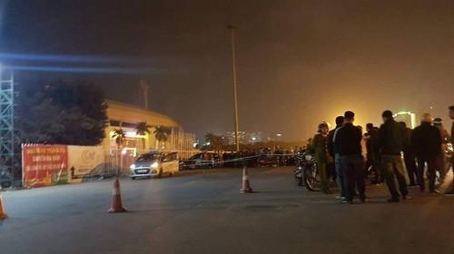 Vụ tài xế taxi nghi bị cướp cứa cổ ở Hà Nội: Nhân chứng kể lại giây phút kinh hoàng-1