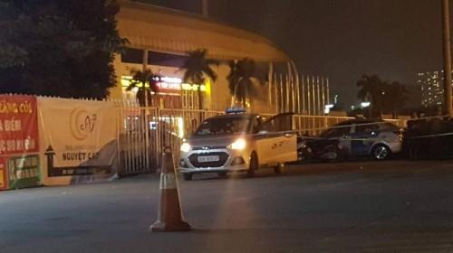 Vụ tài xế taxi nghi bị cướp cứa cổ ở Hà Nội: Nhân chứng kể lại giây phút kinh hoàng-2