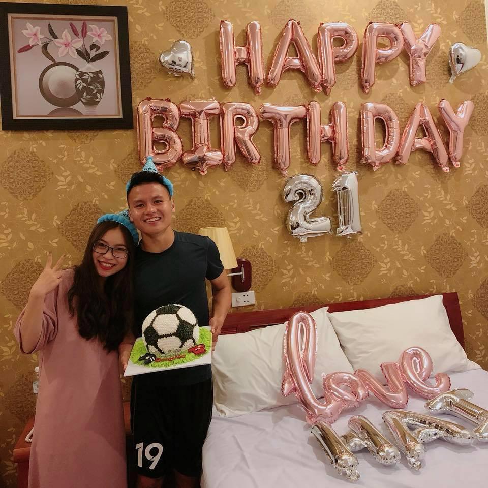 Bạn gái Quang Hải: Quá nhiều fan nữ nhắn tin cho bạn trai tôi-5