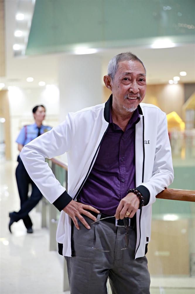 Sau chuỗi ngày chống chọi với căn bệnh ung thư, diễn viên Lê Bình xuất hiện khỏe mạnh tại sự kiện ra mắt phim Táo quậy-1