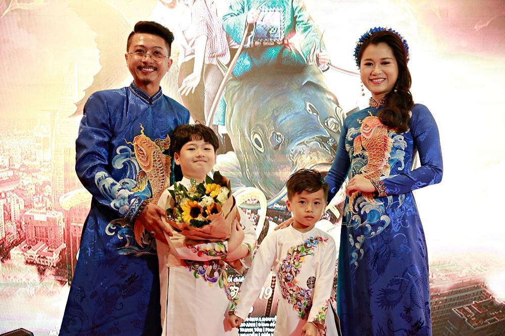 Sau chuỗi ngày chống chọi với căn bệnh ung thư, diễn viên Lê Bình xuất hiện khỏe mạnh tại sự kiện ra mắt phim Táo quậy-4