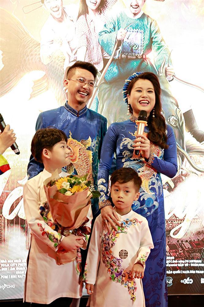 Sau chuỗi ngày chống chọi với căn bệnh ung thư, diễn viên Lê Bình xuất hiện khỏe mạnh tại sự kiện ra mắt phim Táo quậy-5