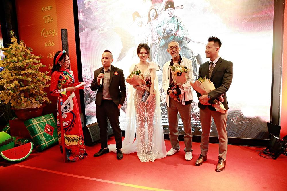 Sau chuỗi ngày chống chọi với căn bệnh ung thư, diễn viên Lê Bình xuất hiện khỏe mạnh tại sự kiện ra mắt phim Táo quậy-7