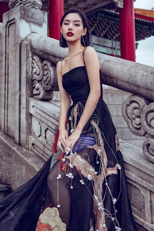 Diện lại đầm thảm họa của Hoàng Thùy Linh: Jun Vũ lộ thân hình trơ xương - Khánh Linh The Face đẹp xuất sắc-8