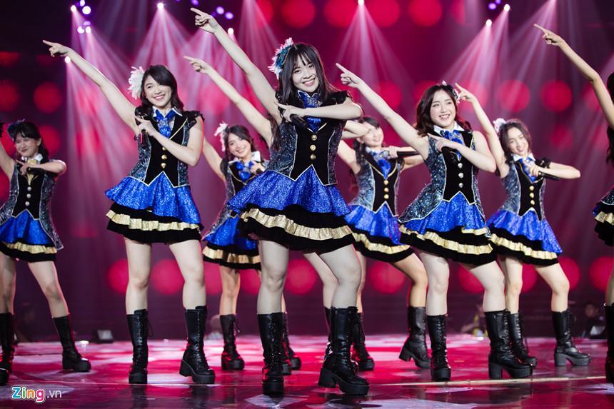 Nét đẹp tươi mới của hot girl 9X, 10X từ nhóm nhạc độc nhất thế giới-2