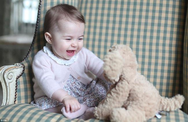 Hành trình làm cha mẹ từ cuộc tình nay tan mai hợp của hoàng tử William và công nương Kate-3