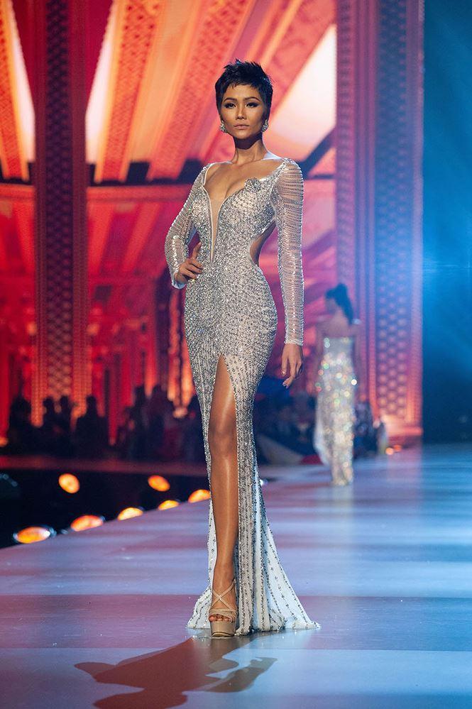 KỲ TÍCH NỐI TIẾP KỲ TÍCH: HHen Niê xuất sắc lọt top 10 Hoa hậu của các hoa hậu 2018-2
