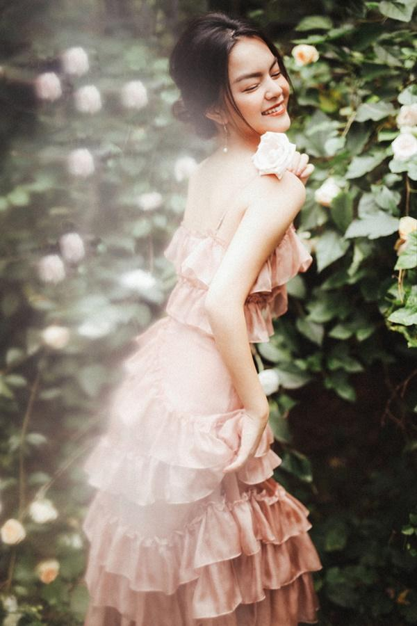 Phạm Quỳnh Anh quá xinh đẹp, hứa sẽ hát nhạc tích cực hơn trong năm tới-1