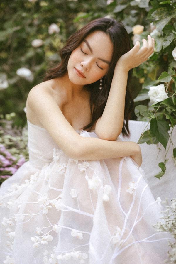 Phạm Quỳnh Anh quá xinh đẹp, hứa sẽ hát nhạc tích cực hơn trong năm tới-7