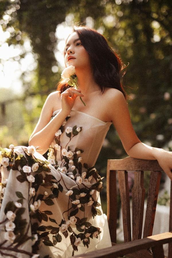 Phạm Quỳnh Anh quá xinh đẹp, hứa sẽ hát nhạc tích cực hơn trong năm tới-2