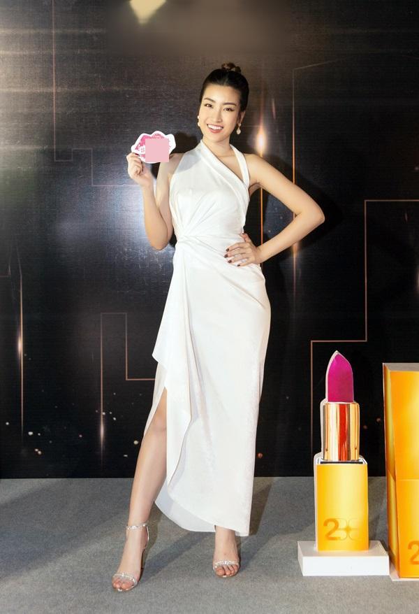 THẢM ĐỎ ĐẦU NĂM: Huyền My xinh tựa công chúa - Diệp Lâm Anh chơi lớn diện nguyên set 1,8 tỷ đồng-3