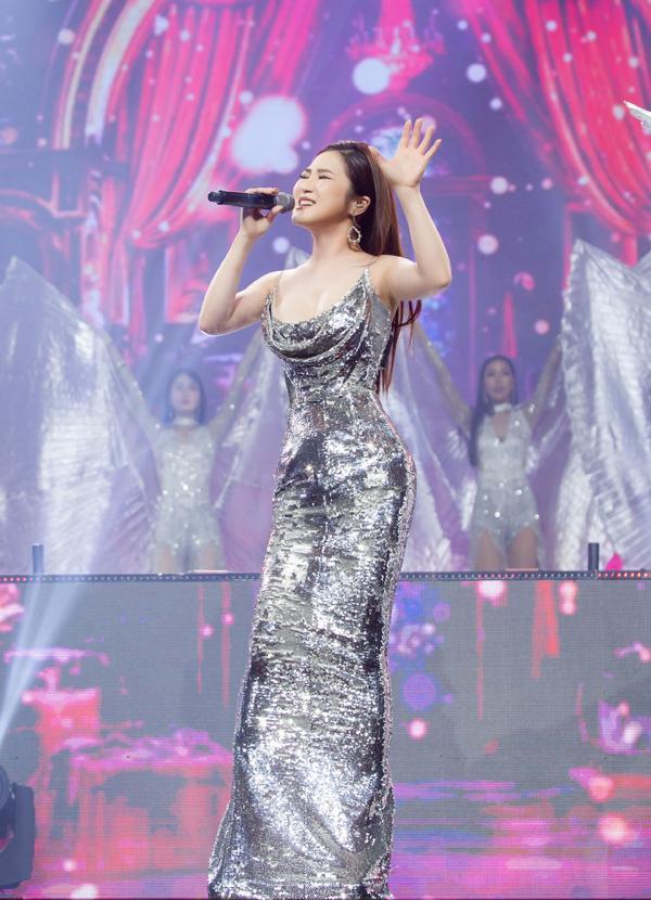THẢM ĐỎ ĐẦU NĂM: Huyền My xinh tựa công chúa - Diệp Lâm Anh chơi lớn diện nguyên set 1,8 tỷ đồng-7
