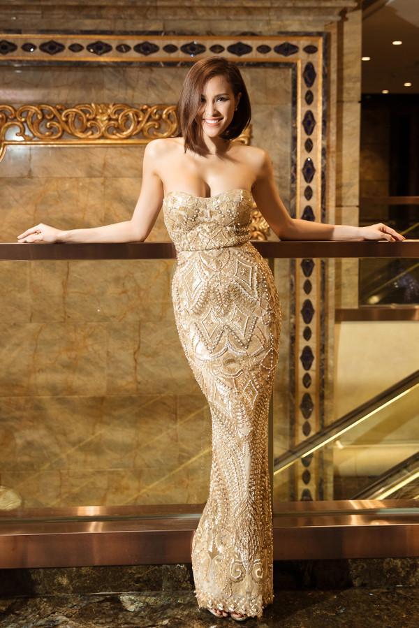 THẢM ĐỎ ĐẦU NĂM: Huyền My xinh tựa công chúa - Diệp Lâm Anh chơi lớn diện nguyên set 1,8 tỷ đồng-10