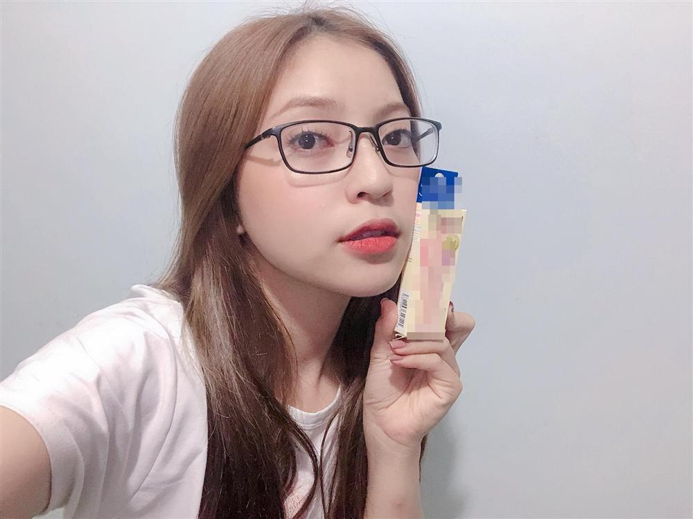 Mặc kệ bị chê hát như đấm vào tai, bạn gái Quang Hải an nhiên thực hiện sự nghiệp kiếm tiền-1
