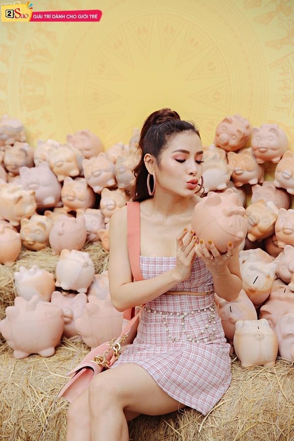 Lục túi Phương Trinh Jolie ngày Tết: Bất ngờ với món đồ rẻ như bèo trong túi xách Chanel trăm triệu-11