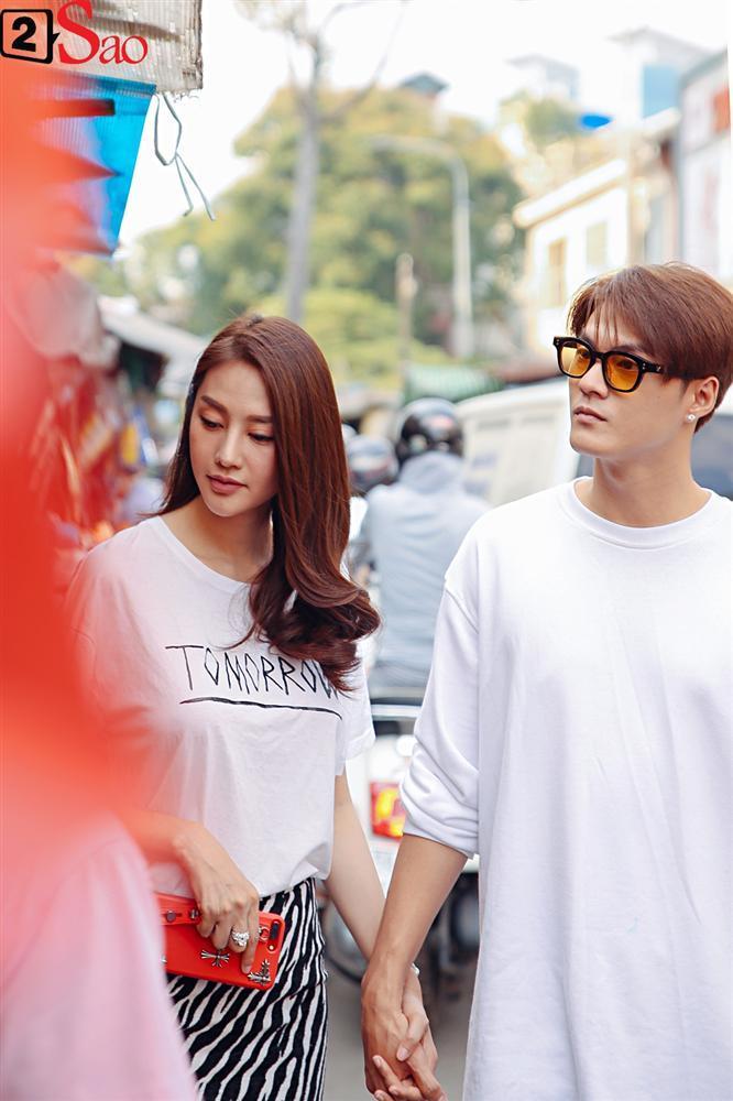 Ngắm Linh Chi - Lâm Vinh Hải tình tứ đi chợ Tết, ai cũng mong cặp đôi sớm báo hỷ trong năm mới Kỷ Hợi-3