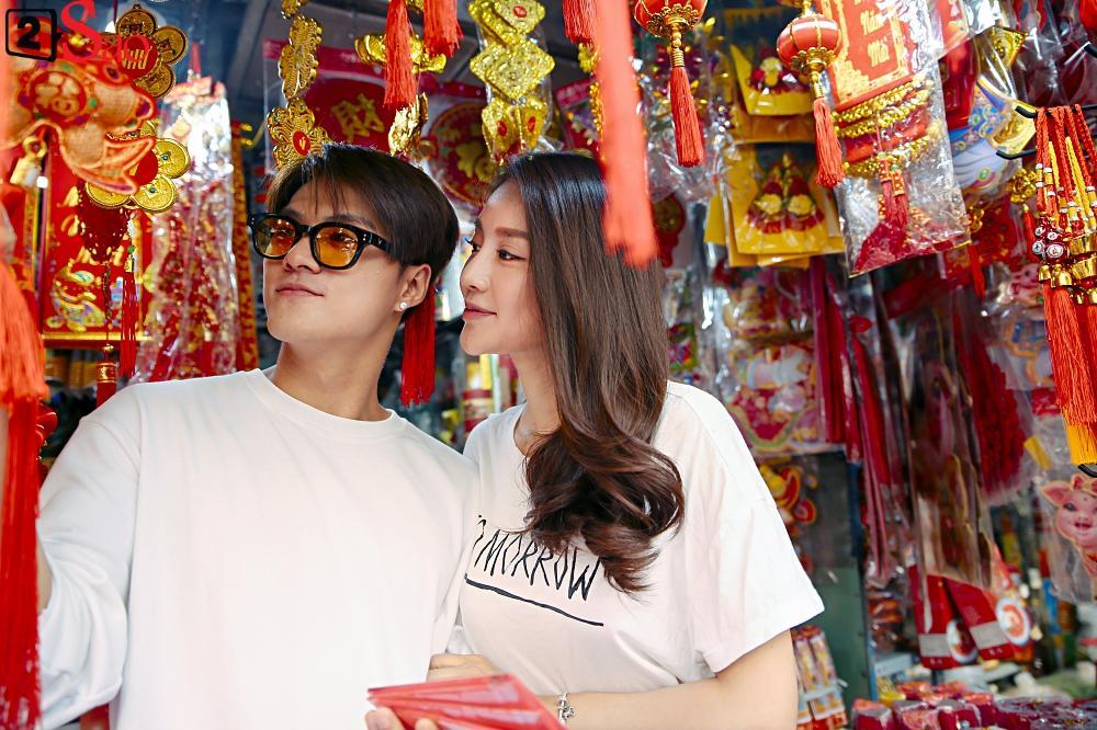 Ngắm Linh Chi - Lâm Vinh Hải tình tứ đi chợ Tết, ai cũng mong cặp đôi sớm báo hỷ trong năm mới Kỷ Hợi-7