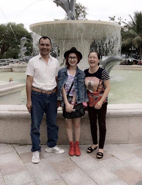Hòa Minzy nhắn về quê hỏi bố mẹ sắm Tết đủ chưa, đấng sinh thành chỉ đáp một câu nhưng gây xúc động mạnh-4