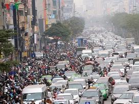 Người dân ùn ùn đổ về quê, đường Hà Nội tắc nghẽn nghiêm trọng
