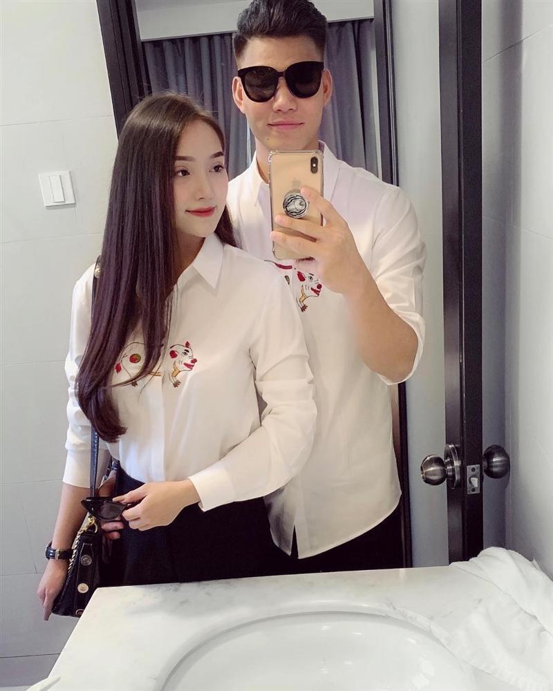 Văn Thanh bắt kịp xu hướng Tết, mặc áo hình chú heo sành điệu-1