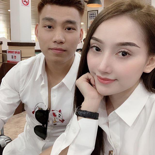 Văn Thanh bắt kịp xu hướng Tết, mặc áo hình chú heo sành điệu-2