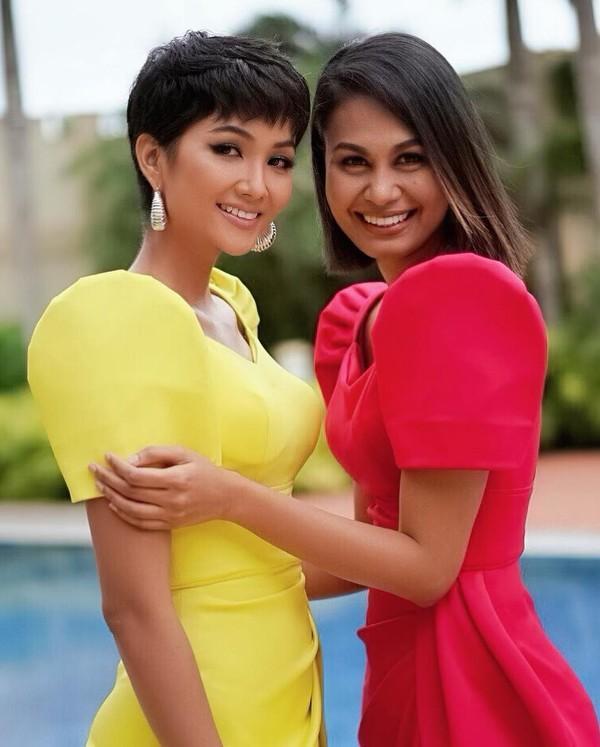 Vừa gặp mặt, HHen Niê liền đọ trình catwalk siêu xịn với Hoa hậu đẹp nhất thế giới 2010 Venus Raj-1