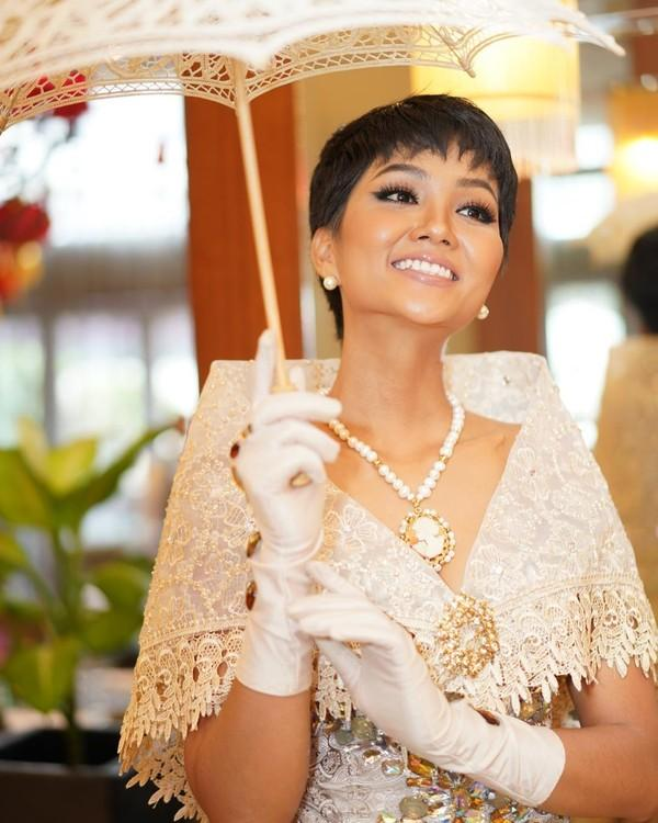 Vừa gặp mặt, HHen Niê liền đọ trình catwalk siêu xịn với Hoa hậu đẹp nhất thế giới 2010 Venus Raj-6