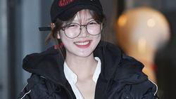 'Sao nhí xinh nhất xứ Hàn' Kim Yoo Jung mặc áo phao, đội mũ kín vẫn đẹp bất chấp