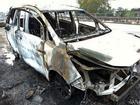 Ôtô chở người về quê ăn Tết cháy trơ khung