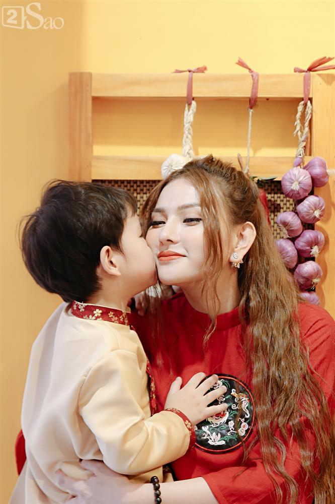 Phủ nhận có bạn trai mới, Thu Thủy nêu tiêu chí: Người đàn ông tôi yêu phải thương cả con trai tôi-13
