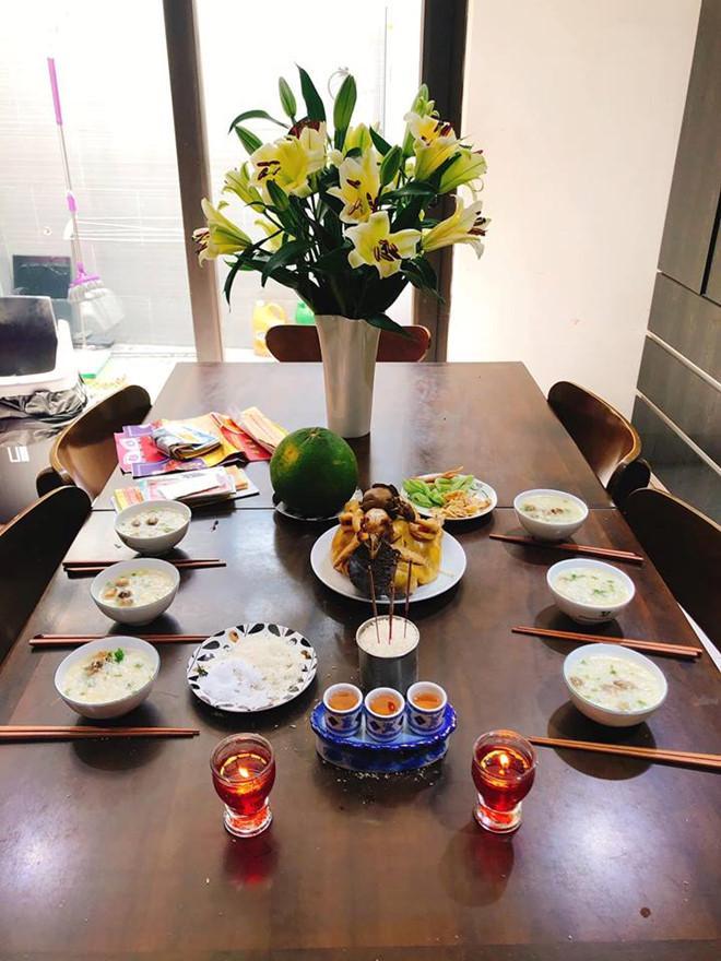 Tăng Thanh Hà, Ngọc Lan khoe bữa cơm, mâm cúng ông bà 30 Tết-1