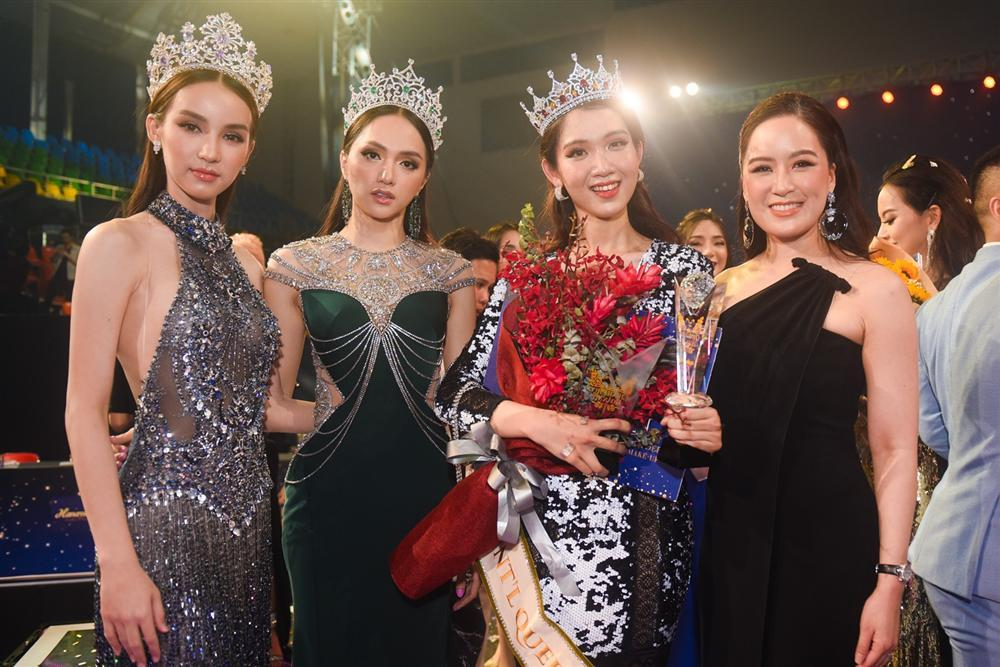 Nhật Hà khoe nhan sắc xinh tươi, nói tiếng Anh như gió tại Hoa hậu Chuyển giới Quốc tế 2019-3